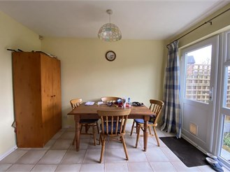 3 bed semi-detached house in Billericay