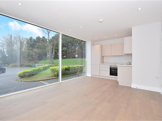 2 bed ground floor apartment in Brentwood