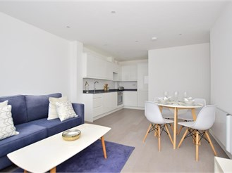 2 bed fourth floor apartment in Brentwood