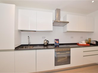 2 bed second floor flat in Brentwood