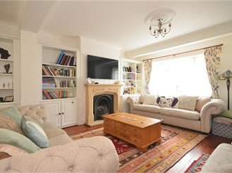 5 bedroom semi-detached house in Chigwell