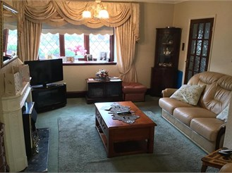 2 bedroom terraced house in Chigwell