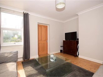 1 bed first floor flat in Woodford Green