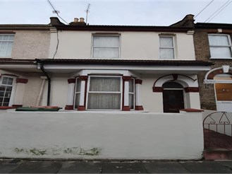3 bedroom terraced house in London E12