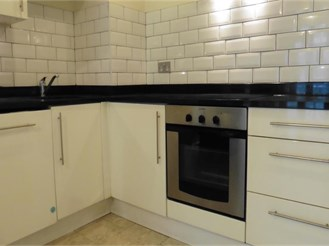 2 bedroom fourth floor flat in Ilford