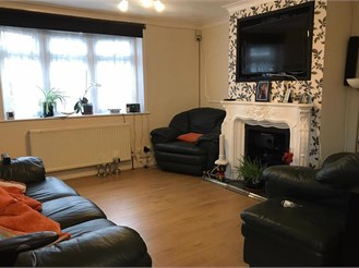 4 bedroom end of terrace house in London E17