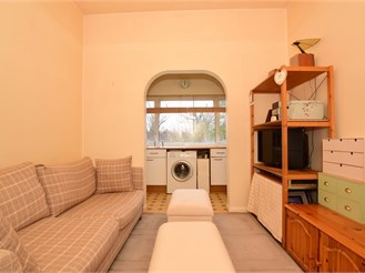 1 bedroom first floor converted flat in South Woodford