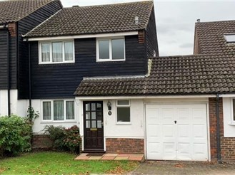 3 bedroom link-detached house in Woodford Green