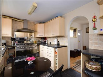 3 bed terraced house in Woodford Green