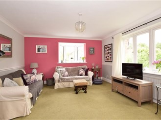 4 bedroom detached house in Brentwood