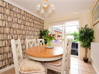 3 bedroom semi-detached house in Rush Green, Romford