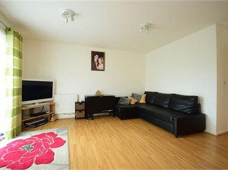 1 bedroom ground floor flat in Ilford