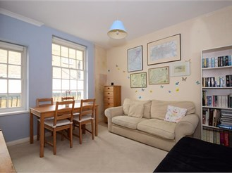 2 bedroom first floor flat in Woodford Green