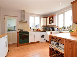 3 bedroom detached house in Brentwood