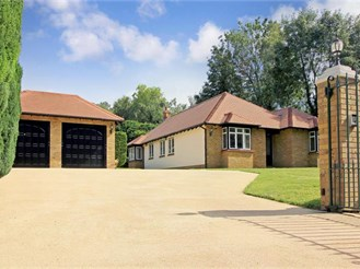 6 bedroom chalet bungalow in Knatts Valley, Sevenoaks