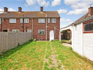 2 bedroom semi-detached house in Loughton