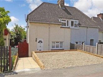 3 bedroom semi-detached house in Dartford
