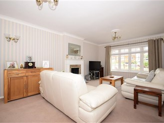 4 bedroom detached house in Crays Hill, Billericay