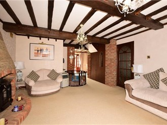 5 bedroom detached house in Wickford