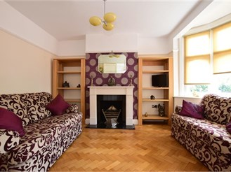 4 bedroom end of terrace house in Woodford Green