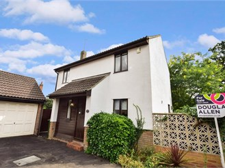 3 bedroom detached house in West Horndon, Brentwood