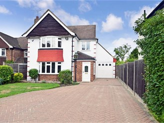 4 bedroom detached house in Chigwell