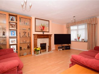 3 bedroom semi-detached house in Manor Park, London