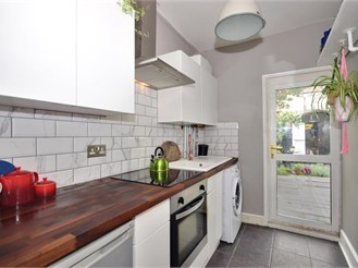 1 bedroom ground floor flat in Manor Park, London