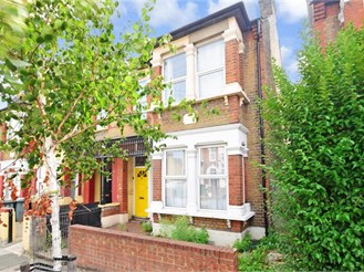 2 bedroom ground floor maisonette in East Ham, London