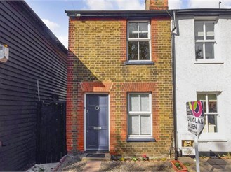 2 bedroom cottage in Brentwood