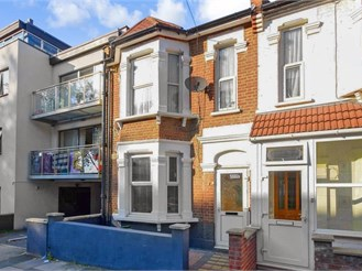 5 bedroom semi-detached house in London E7