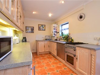 3 bedroom semi-detached house in Hutton, Brentwood
