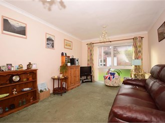 2 bedroom ground floor flat in South Woodford
