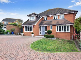 5 bedroom detached house in Frindsbury, Rochester