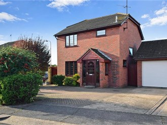 3 bedroom detached house in Wickford