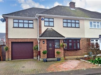 4 bedroom semi-detached house in Hutton, Brentwood