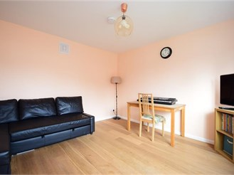 5 bedroom terraced house in Woodford Green