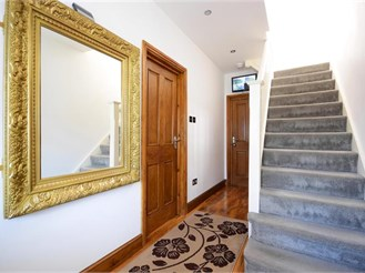 5 bedroom end of terrace house in Gants Hill, Ilford