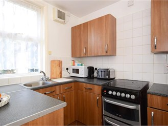 1 bedroom ground floor maisonette in Woodford Green