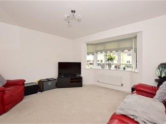 3 bedroom end of terrace house in Laindon, Basildon