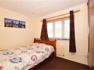 2 bedroom end of terrace house in Erith