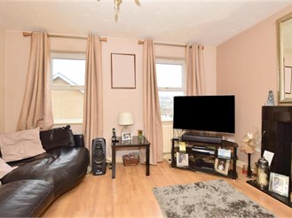 4 bedroom link-detached in Chatham