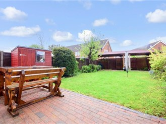 4 bedroom semi-detached house in Epping