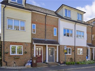 4 bedroom terraced house in Gillingham