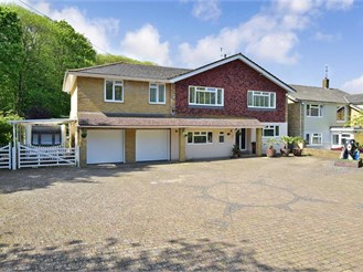 6 bedroom detached house in Rainham, Gillingham