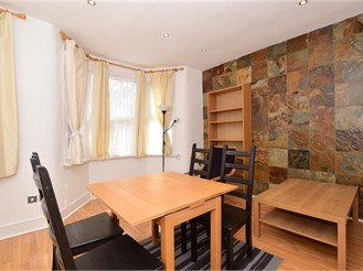 2 bedroom first floor converted flat in Walthamstow, London