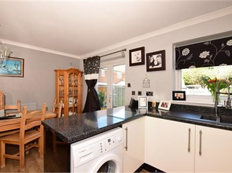 3 bedroom detached house in Cliffe Woods, Rochester
