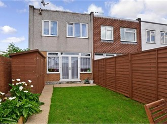 3 bedroom end of terrace house in Hainault, Ilford