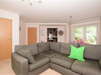3 bedroom semi-detached house in Epping