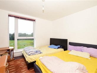 4 bedroom end of terrace house in Crayford
